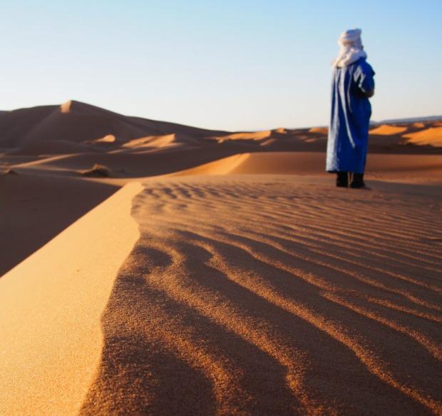 Waves of desert sands