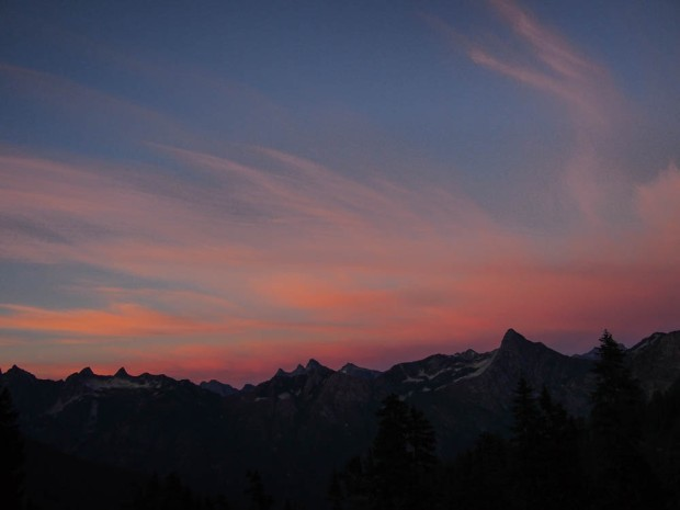 Pink sunset over the Cascade Mountains